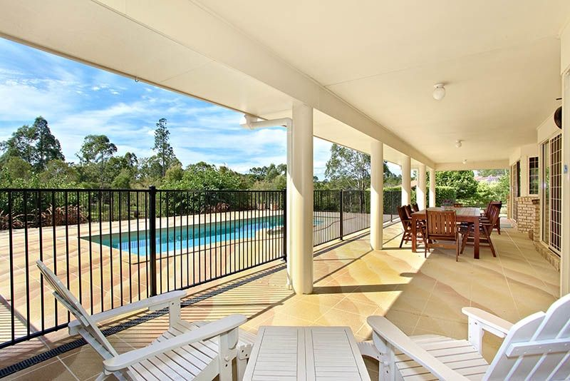 Picturesque Acreage with Two Homes - Morayfield